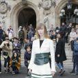 La styliste Anya Ziourova arrive à l'Opéra de Paris pour assister au défilé Stella McCartney automne-hiver 2015-2016. Paris, le 9 mars 2015.