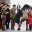 Kate Middleton, enceinte, et le prince William ont célébré la Saint Patrick avec les Irish Guards aux Mons Barracks d'Aldershot, le 17 mars 2015
