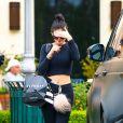 Kylie Jenner quitte le magasin Sephora au complexe The Commons, à Calabasas. Le 18 mars 2015.