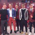 Les footballeurs Lionel Messi, Adriano Correira, Douglas Pereira dos Santos, Dani Alves, Neymar Jr. et Rafinha, sur leur 31 à l'issue de leur victoire face au Real Madrid. Barcelone, le 22 mars 2015.
