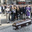 La famille d'Alexis Vastine, son père Alain, sa mère Sylvie, son frère Adriani et ses soeurs Cindy et Cassie, lors de ses obsèques en l'église Saint Ouen à Pont-Audemer le 25 mars 2015
