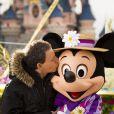 Marc-Olivier Fogiel célèbre le printemps à Disneyland Paris. Mars 2015