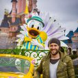 Yohan Cabaye célèbre le printemps à Disneyland Paris. Mars 2015