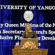 La reine Maxima des Pays-Bas est intervenue à l'Université de Rangoun le 31 mars 2015 lors de sa visite au Myanmar en sa qualité d'ambassadrice spéciale de l'ONU pour la finance inclusive.