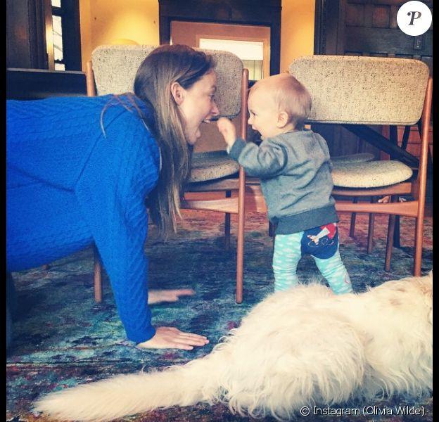 Olivia Wilde et son fils Otis complices. (photo postée le 1er avril 2015)