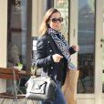 Exclusif - Pippa Middleton se promène à Londres le 23 mars 2015.