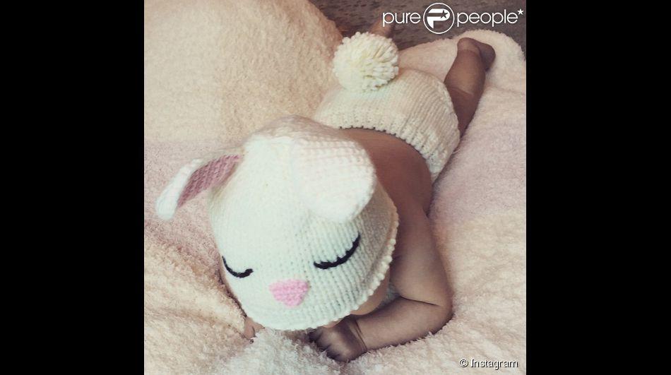 Vanessa Lachey a ajouté une photo de sa fille déguisée en lapin de Pâques sur Instagram, le 6 avril 2015