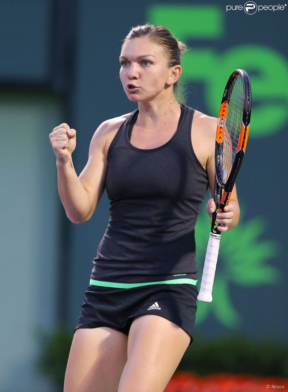 Romania's Simona Halep reacts after shot against the United States' Sloane Stephens during the quarterfinals of the Miami Open at Crandon Park in Key Biscayne, Miami, FL, USA on April 1, 2015. Halep advanced, 6-1, 7-5. Photo by David Santiago/El Nuevo Herald/TNS/ABACAPRESS.COM02/04/2015 - Miami