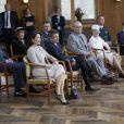 Lors d'une cérémonie à l'Hôtel de Ville, Daisy a reçu une broche ornée de huit pierres précieuses, pour autant de petits-enfants. La reine Margrethe II de Danemark célébrait le 8 avril 2015 à Aarhus son 75e anniversaire (en date du 16 avril), entourée du prince consort Henrik, du prince Frederik et de la princesse Mary, et du prince Joachim et de la princesse Marie.
