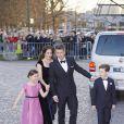 Le prince Frederik, la princesse Mary et leurs enfants la princesse Isabella et le prince Christian de Danemark arrivant pour la soirée de gala organisée le 8 avril 2015 à Aarhus pour le 75e anniversaire de la reine Margrethe II.