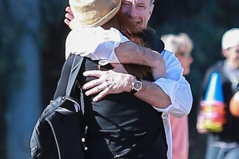 Marcia Cross : Câlin complice avec son mari devant leur fille Eden, footeuse