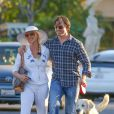 Nicollette Sheridan et son chéri à Los Angeles le 3 avril2015