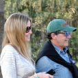 Antonio Banderas et sa compagne Nicole Kimpel quittent un restaurant à Marbella. Le 5 avril 2015