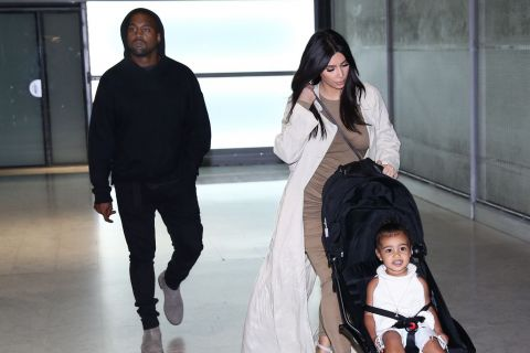 Kim Kardashian, Kanye et North : Après Israël, les West débarquent à Paris !