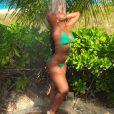 La sexy Ashanti profite de vacances aux îles Turques et Caïques. Photo publiée en janvier 2015.