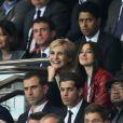 Monica Bellucci et Mélita Toscan du Plantier lors du quart de finale entre le Paris Saint-Germain et le FC Barcelone au Parc des Princes à Paris le 15 avril 2015