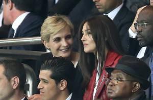 PSG-Barça : Monica Bellucci, ultradécolletée pour un match entre filles