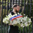Gerbe de fleurs du Ministère de la Jeunesse et des Sports - Obsèques de Patrice Dominguez en la Basilique Sainte-Clotilde à Paris le 16 avril