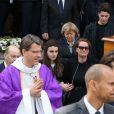 Cendrine Dominguez - Sorties des obsèques de Patrice Dominguez en la basilique Sainte Clotilde à Paris. Le 16 avril 2015