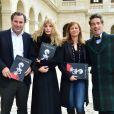 """Benjamin Patou, Arielle Dombasle, Anne Gravoin et Vincent Darré - Conférence de presse pour le lancement de la nouvelle saison de l' Opéra en Plein Air avec la présentation de """"La Traviata"""" dans la cour d'honneur des Invalides à Paris, le 13 mars 2015."""