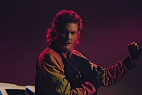 David Hasselhoff, 'True Survivor' : Nazis, dinosaures et Vikings, son retour WTF