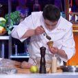 Xavier Koenig dans  Top Chef, le choc des champions 2015 , sur M6, le lundi 20 avril 2015.