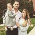 Photo de Jessie James Decker en famille avec son mari Eric et leur fille Vivianne, sur Instagram, pour Pâques 2015.