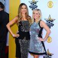 Sofia Vergara et Reese Witherspoon lors des 50ème Academy of Country Music Awards au Stadium d'Arlington, Texas, le 19 avril 2015