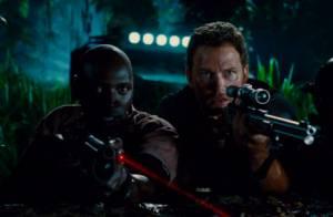 Jurassic World : Omar Sy et Chris Pratt aux prises avec un terrible D-Rex...
