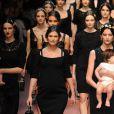 Bianca Balti enceinte - Défilé de mode Dolce & Gabbana collection prêt-à-porter automne-hiver 2015/2016 à Milan le 1 er mars 2015