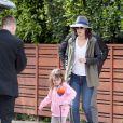Cobie Smulders et sa famille s'envole à New York pour tourner How I Met Your Mother, Los Angeles, le 23 mars 2014