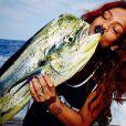 Une sacrée prise pour Rihanna à Hawai, le 25 avril 2015