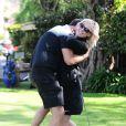 L'actrice Jennie Garth et son fiancé David Abrams passent la journée au Golf de Calabasas, Los Angeles, le 26 avril 2015