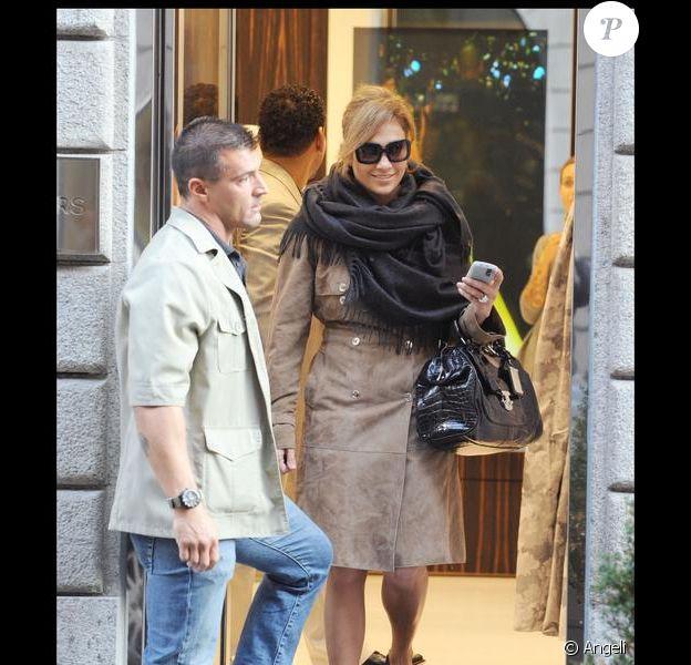 Jennifer Lopez, un look improbable
