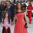 Salma Hayek et sa fille Valentina à la cérémonie des Woman Awards à Madrid, le 20 avril 2015.