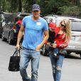 Fergie, son mari Josh Duhamel et leur fils Axl quittent un parc à Brentwood, le 24 avril 2015.