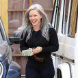 Exclusif - Hilary Duff, très souriante, dans les rues de Los Angeles, le 23 avril 2015