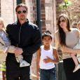 Brad Pitt, Angelina Jolie et leur six enfants à la Nouvelle-Orléans, le 20 mars 2011.