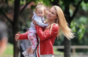 Michelle Hunziker : Come-back culotté entre deux câlins avec ses filles...