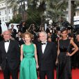 """Guest, Nathalie Baye, Jacques Attali et Sonia Rolland (robe Rabih Kayrouz) - Montée des marches du film """"Irrational Man"""" (L'homme irrationnel) lors du 68e Festival International du Film de Cannes, à Cannes le 15 mai 2015."""