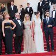 """Jonas Rivera, Ronnie del Carmen, Amy Poelher, John Lasseter, Mélanie Laurent, Charlotte Le Bon, Pierre Niney, Pierre Lescure - Montée des marches du film """"Inside Out"""" (Vice-Versa) lors du 68e Festival International du Film de Cannes, le 18 mai 2015."""