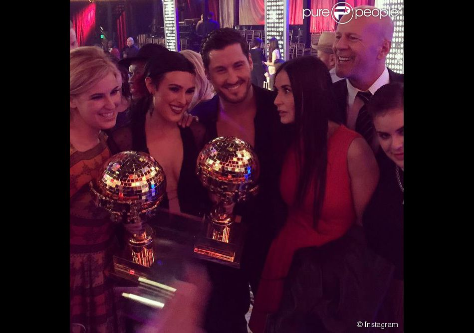 Rumer Willis a remporté la 20e saison de Dancing with the Stars devant ses soeurs et ses parents Bruce Willis et Demi Moore le 19 mai 2015