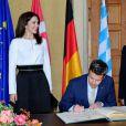 Le prince Frederik et la princesse Mary de Danemark ont visité le Parlement de Bavière à Munich le 20 mai 2015 et ont signé le livre d'or