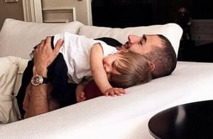 Karim Benzema : Papa câlin avec Mélia après une nouvelle mésaventure...