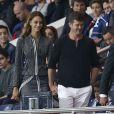 Robin Thicke et sa compagne, le mannequin April Love Geary, assistent au match Paris Saint-Germain - Stade de Reims au Parc des Princes. Paris, le 23 mai 2015.