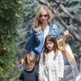 L'actrice Sarah Michelle Gellar et ses enfants Charlotte Grace et Rocky James se rendent à la fête d'anniversaire de Keeva, la fille d'Alyson Hannigan à Los Angeles le 23 mai 2015