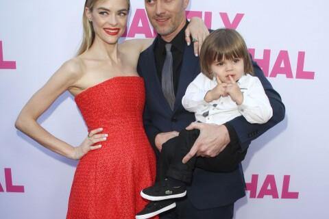 Jaime King, enceinte et radieuse avec son mari et leur adorable James