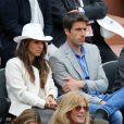 Tony Estanguet et sa femme Laeticia - People dans les tribunes lors du tournoi de tennis de Roland Garros à Paris le 29 mai 2015.