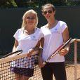 Axelle Marine et Lorie lors de la troisième journée du Trophée des personnalités à Roland-Garros, le jeudi 4 juin 2015.