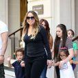 Mariah Carey sort de son hôtel Le Peninsula avec ses enfants Monroe et Moroccan le 7 juin 2015 à Paris